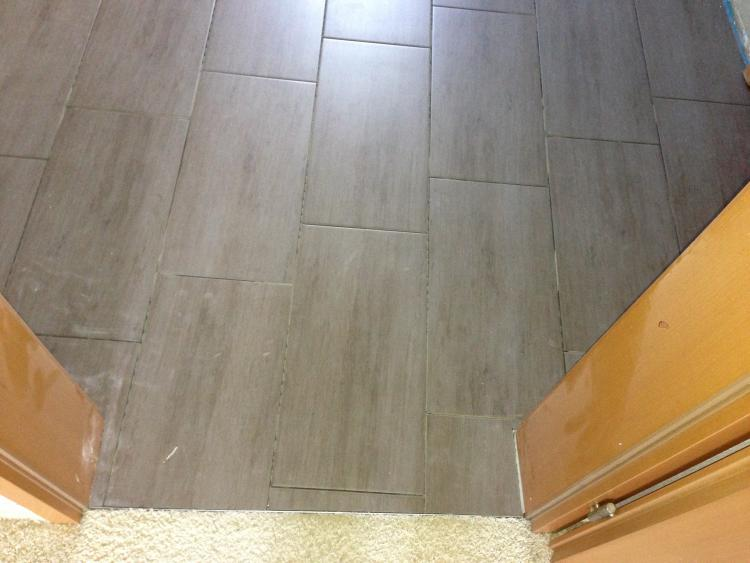 Fußboden Fliesen Diagonal Verlegen ~ Bodenfliesen wirken schief