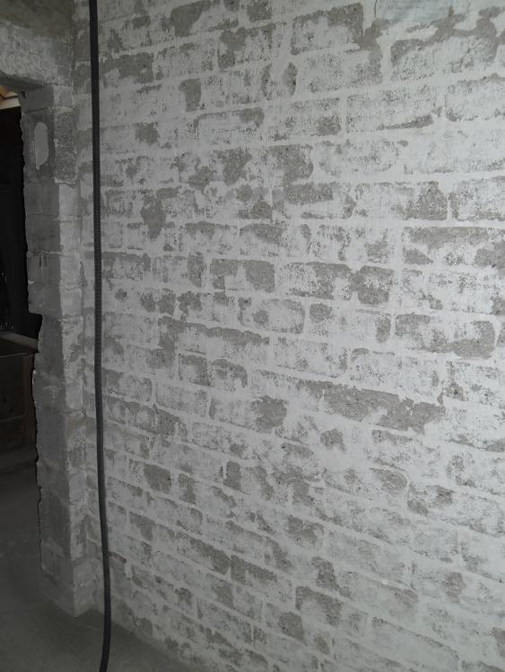 Gut gemocht Grosse Schlitze verschliessen und Wände neu verputzen PE35