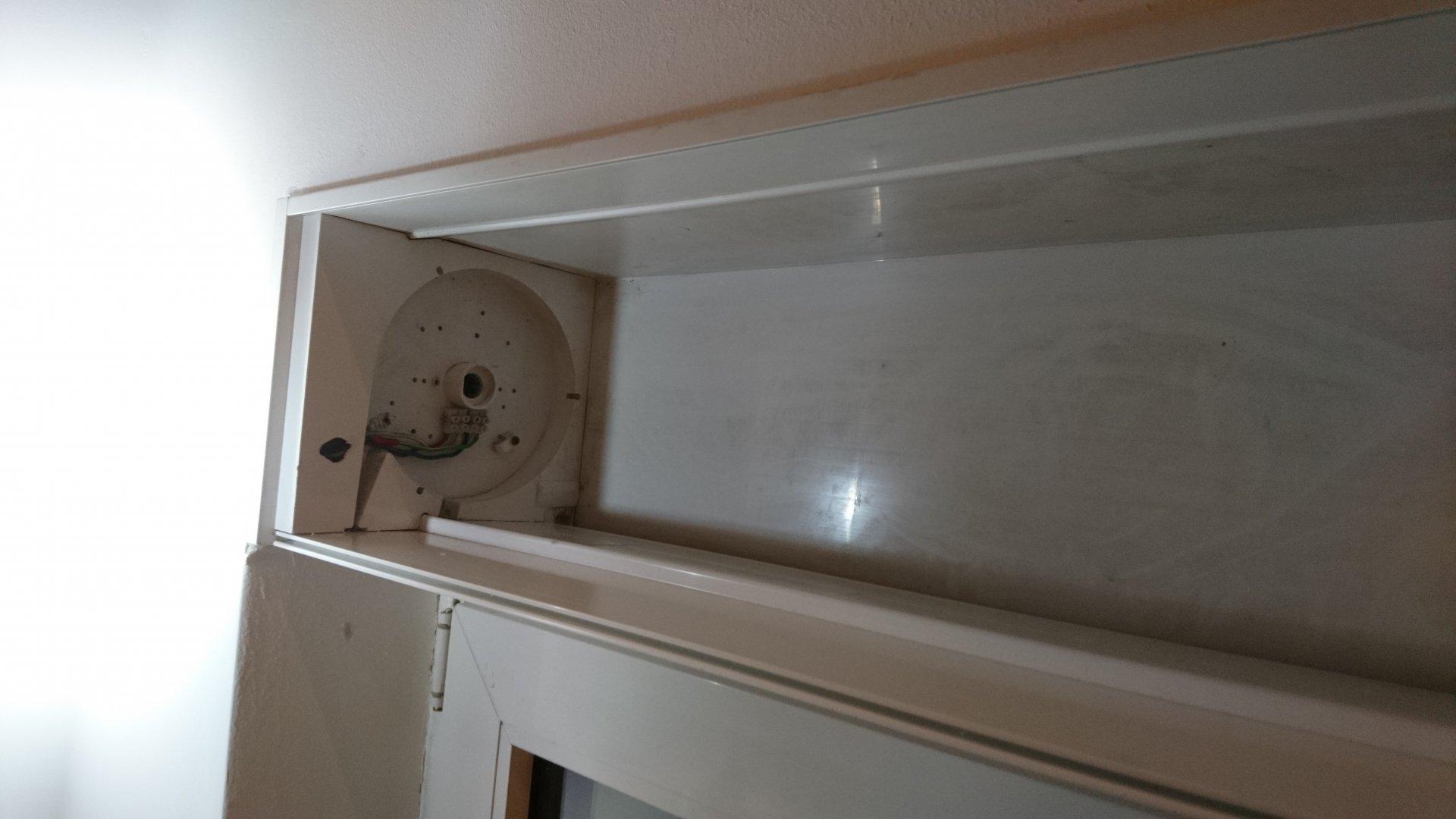 einlauftrichter im rolladenkasten identifizieren ersatzteil finden mit fotos. Black Bedroom Furniture Sets. Home Design Ideas