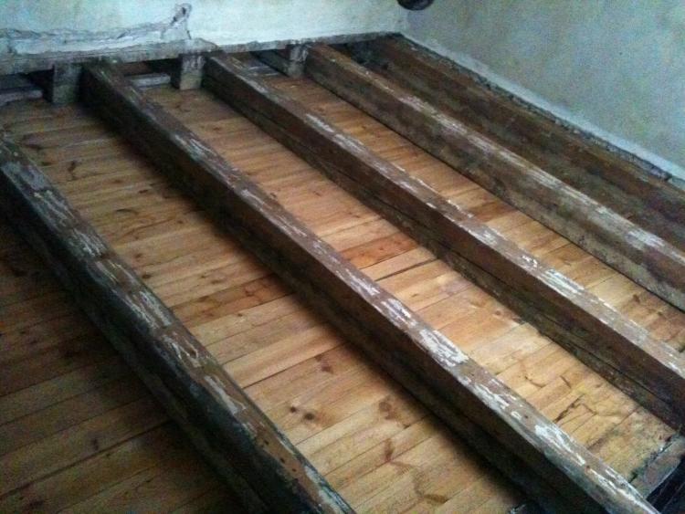 Holzbalken aufarbeiten