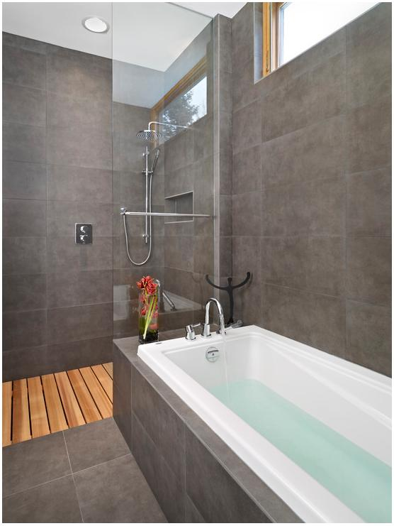 badfenster obenjpg graues badjpg - Led Spots In Der Dusche