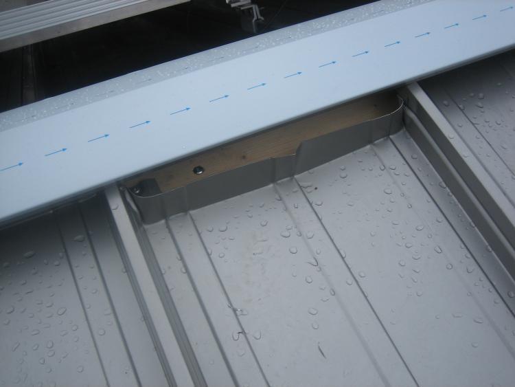 Dach: Blechbahnen am First zu kurz