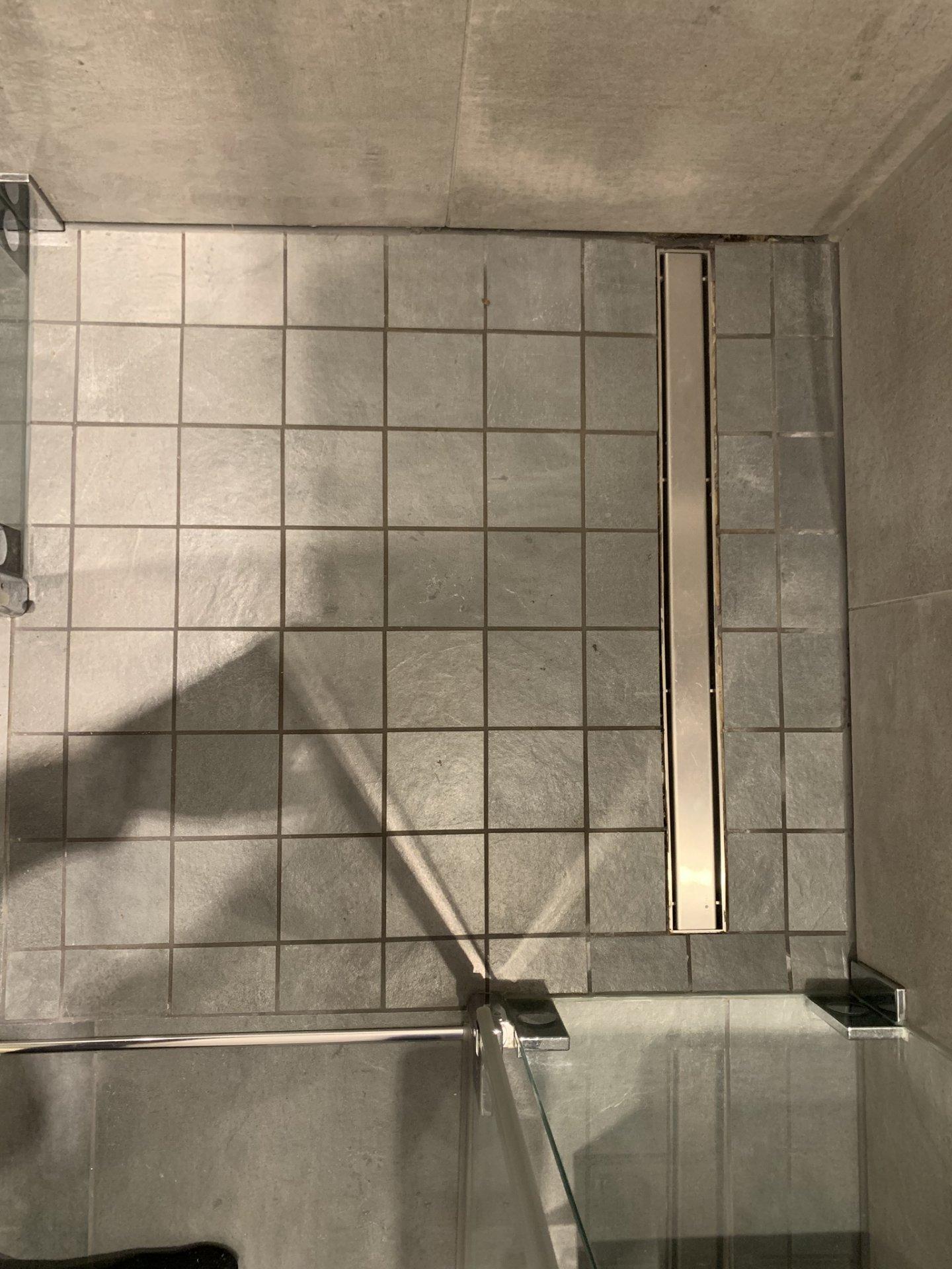 Hervorragend Silikonfuge in Dusche erneuern - Dichtband beschädigt FC27