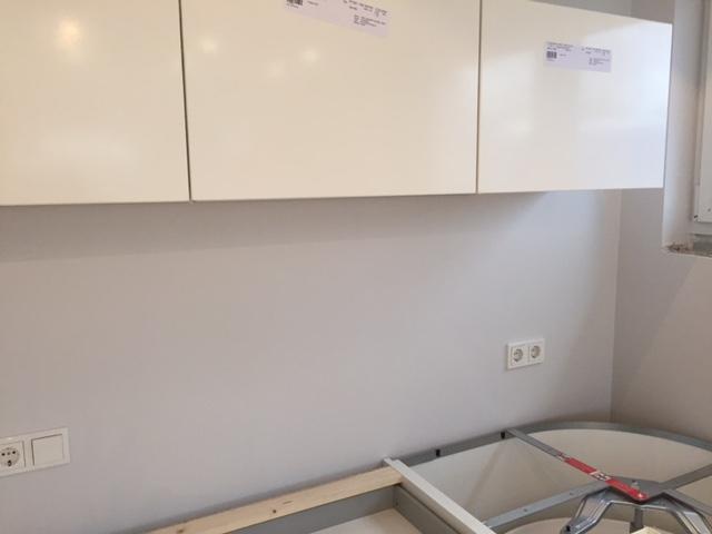 Innendesigner Farbgestaltung Weisse Kuche Ist Gelblich Im Raum