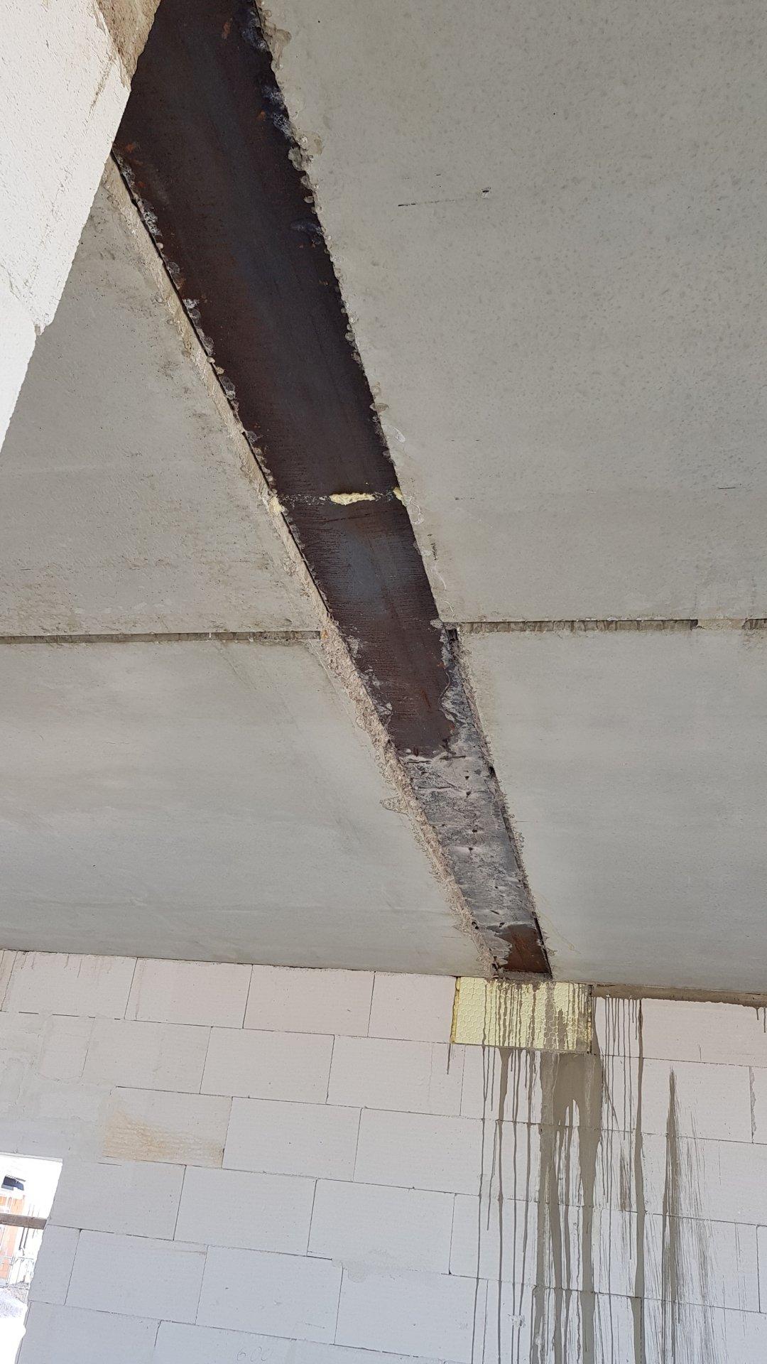 Bevorzugt Stahlträger in der Decke HP06