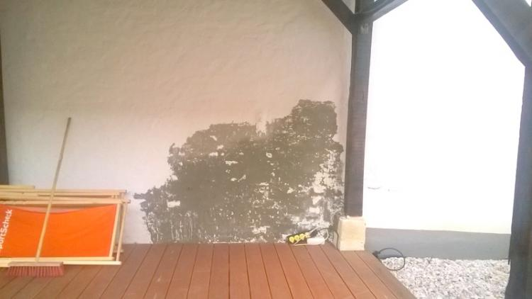 Feuchte Außenwand streichen möglich?