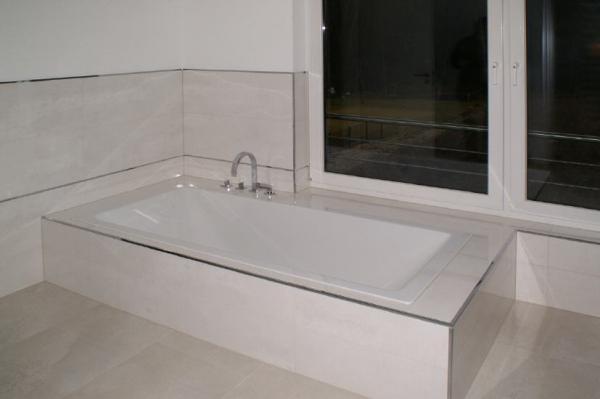 Berühmt Brüstungshöhe bei Fensterband entlang Badewanne #DZ_76