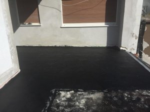 terrassenabdichtung mit bitumen dickschicht und steine im splittbett. Black Bedroom Furniture Sets. Home Design Ideas