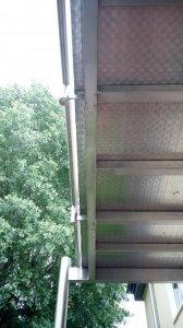 regenschutz am edelstahl balkon nachr sten bohren statik miteigent mer. Black Bedroom Furniture Sets. Home Design Ideas