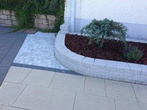 trockenmauer welche farbe passt zu dieser hauswand terrasse. Black Bedroom Furniture Sets. Home Design Ideas