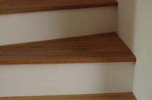 betontreppe mit holz belegen angebot zu hoch seite 4. Black Bedroom Furniture Sets. Home Design Ideas